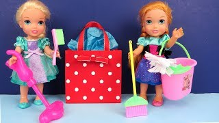 Video Mother's Day ! Elsa and Anna toddlers - Surprise - Cleaning - Gifts MP3, 3GP, MP4, WEBM, AVI, FLV Agustus 2018