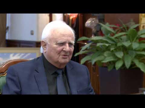 Глава государства провел встречу с мэром города Купчинь Единецкого района