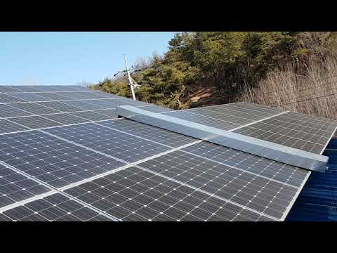 1_Solar panel cleaning robot [Clead T-1000]