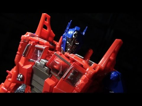 Prime - A surprising fusion of G1 and Live-Action is the core of Age of Extinction's first voyager-pricepointed Optimus Prime. For more of what I do, visit http://Va...