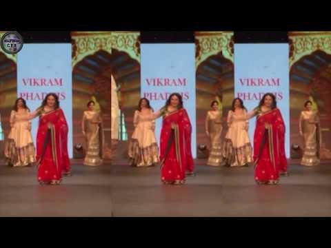 Bollywood actresses ramp walk goes HORRIBLY WRONG | Uncut videos