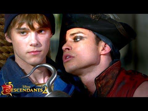 Descendants 2 (Behind the Scenes 'Meet the Forgotten Villain Kids')