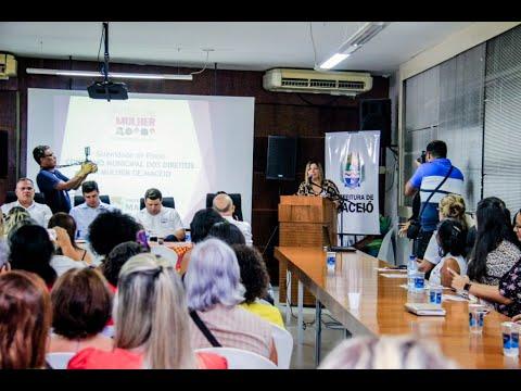 Rui Palmeira dá posse às integrantes do Conselho da Mulher