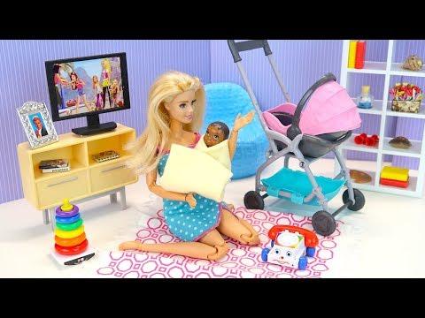 БАРБИ СТАЛА ПРИЁМНОЙ МАМОЙ Куклы Барби Мультик  Игрушки Для детей Ай Кукла тиви