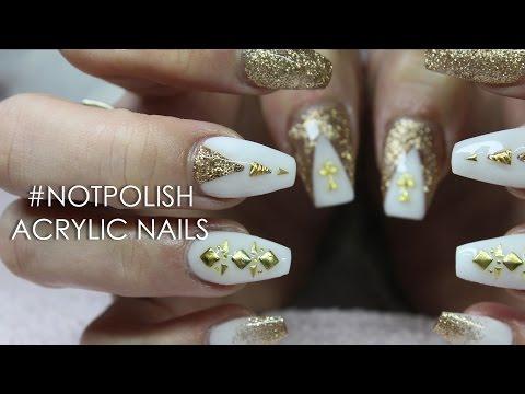 nail art - bianca e oro glitterata