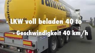 Fahrversuch: voll beladener Tanklastzug mit Stützrädern beim Ausweichen.3 Versuche.Stützräder am Boden = Lkw umgekippt