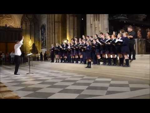 SMGS singing 'Laudate Dominum' in Notre Dame