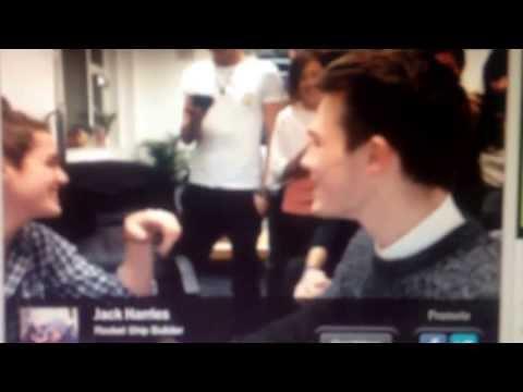 Jack Harries and Jacob Dixon kissing on younow 4.11.2013 (видео)