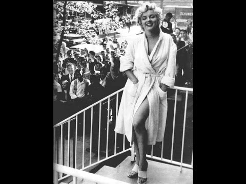"Marilyn Monroe - ""The Seven Year Itch""  Meets The Crowd"