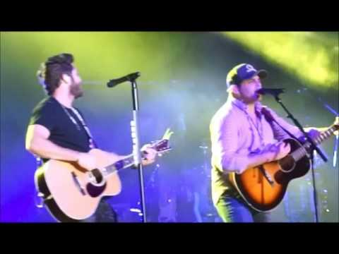 WATCH: Thomas Rhett and Dad Rhett Akins On Stage Together!