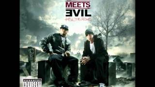 Bad Meets Evil - I'm On Everything lyrics