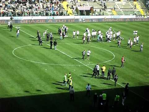 Celebración en el Ennio Tardini por el Parma 4-Livorno 1