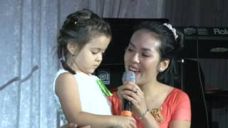 14 Ban Ket_Nguyen Kyla__Jennie Bao Tien Mancuso