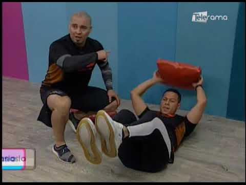 Rutina de ejercicios utilizando cojines