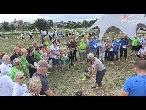 Seniorzy z Chmielna z pucharami na II Wojewódzkiej Senioradzie w Skarszewach