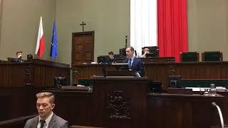 """PiS proponuje ustawę """"Strzelnica w każdym powiecie"""". Mamy do czynienia z nową doktryną Macierewicza."""