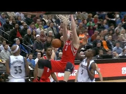 Omer Asik slam for his first basket since return from knee injury