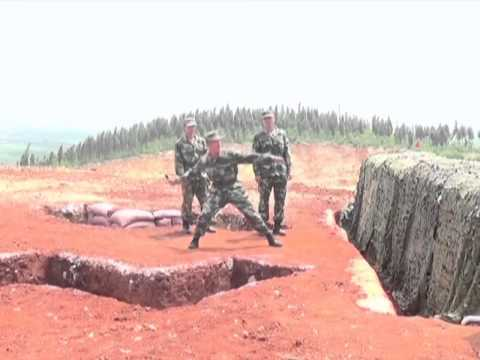 Soldiers narrowly escape grenade blast while training