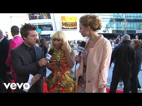 Nicki Minaj - 2010 Red Carpet Interview (American Music Awards)