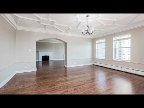 Tour a grand 3-bedroom, 3-bath in a vintage Lakeview East high-rise