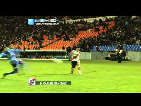 cruz - Luego de una gran jugada en equipo de River, Carlos Sánchez definió de volea para marcar el primero de los de Gallardo.