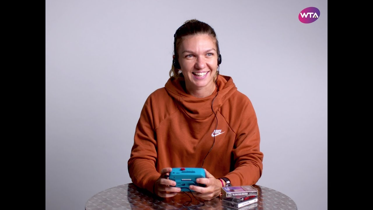 WATCH: WTA players try out '90s technology