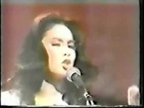 Naomi Chiaki sings Elvis Presley, Paul Anka, Glenn Miller 1977