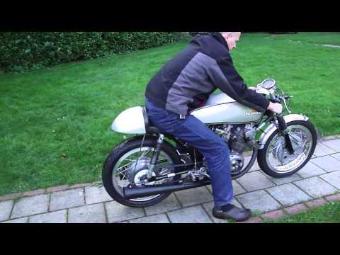 Honda CB 72/77 b  race bike 1963  ex Walter Sommer    350 cc
