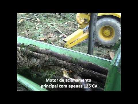 Triturador de Madeira Lippel PTL 240 / 320 x 600 com Rolo Tracionador
