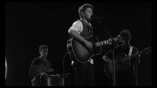 Niall Horan Soulful ''This Town'' (AMA's 2016 Full Performance) [HD]