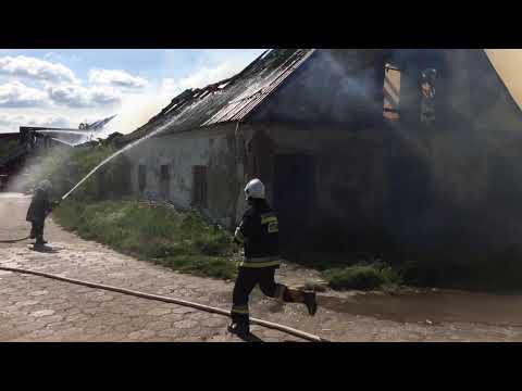 Wideo1: Pożar budynku po byłej świniarni w Kłodzie