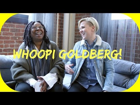 WHOOPI GOLDBERG TALKS ABOUT STAR TREK видео