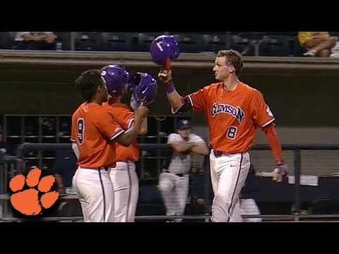 Clemson's Logan Davidson Homers From Both Sides of the Plate (видео)