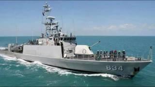 "Pasukan TNI AL sudah bersiaga di wilayah perairan yang berbatasan dengan Filipina, untuk mengantisipasi pelarian kelompok Maute yang digempur militer Filipina di Marawi.Komandan Pangkalan Utama Angkatan Laut (Lantamal) XIII/Tarakan Laksamana Pertama TNI Ferial Fachroni menyebutkan, ada empat kapal perang Indonesia dengan senjata lengkap sudah berpatroli di perbatasan.Ini masih ditambah Kapal Angkatan Laut (KAL) dan kapal Patroli Keamanan Laut (Patkamla) dari sejumlah satuan di bawah Lantamal XIII/Tarakan.""Di antaranya KRI Ki Hajar Dewantara dan KRI Teluk Sangkulirang. Kemudian unsur-unsur KAL maupun Patkamla dari Nunukan, Tarakan dan Bunyu juga,"" ujarnya, Jumat (2/6).Kapal-kapal perang tersebut, lanjutnya, sebenarnya sudah siaga sejak beberapa bulan lalu dengan tugas rutin menjaga perbatasan melalui operasi Ambalat dan sebagainya.Namun, untuk momen ini armada tersebut diinstruksikan lebih giat meningkatkan pengawasan di perbatasan.Selain di laut, pihaknya sudah menginstruksikan kepada Lanal Nunukan untuk melakukan pengawasan di darat dengan mewaspadai pintu keluar masuk warga di Nunukan.Menurutnya, semua ini untuk mengantisipasi masuknya kelompok pemberontak Filipina yang terdesak dan melarikan diri ke sejumlah negara terdekat, termasuk Indonesia. Atau juga mewaspadai gelombang pengungsi Filipina ke Tanah Air"