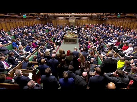 «Όχι» σε όλες τις εναλλακτικές για το Brexit από το κοινοβούλιο…