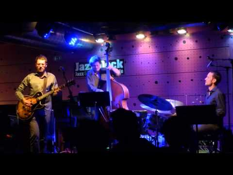 David Dorůžka Trio – November