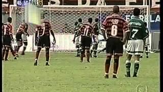 O Leão derrotou a equipe paulista no Barradão com gols de Arthur e Baiano.