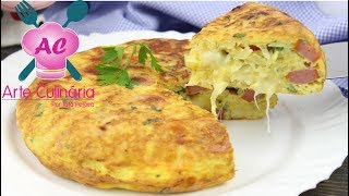 Olá meus amores ❤ bora preparar está delicia de Fritada de Salsicha é uma opção bem rápida e saborosa para um almoço ou uma janta, muito fácil de preparar, então papel e caneta nas mãos e anote os ingredientes.INSCREVA-SE e ative as notificações para não perder nenhuma receitinha! https://goo.gl/mKAbULFaça parte também:❤INSTAGRAM:https://www.instagram.com/arte.tatapereira/❤SNAPCHAT: arte.culinaria❤Canal da minha filhinha Gabi:  https://goo.gl/Yyv5RS Anuncie aqui no canal Arte Culinária:contato.arteculinaria@hotmail.comPara envios de correspondências e entregas:Tata Pereira Caixa Postal:1707, Sorocaba SP, CEP:18015-970❤Playlist com receitas SALGADAS https://goo.gl/iC6HCV❤Os ingredientes são:5 salsichas2 batatas1 xícara (chá) de queijo muçarela em cubos4 ovosOrégano (a gosto)Pimenta do reino (a gosto)Sal (a gosto)Cheiro verde (a gosto)1 colher (chá) de manteiga ou margarinaObs: Frigideira pequena 16cm, deu para fazer 2 Fritada de Salsicha