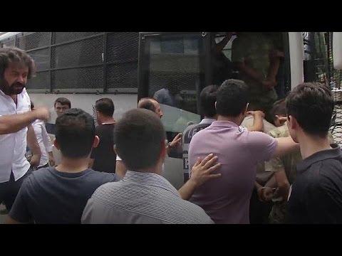 Νέο κύμα συλλήψεων στην Τουρκία
