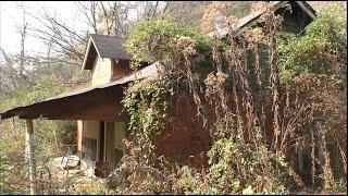 Nonton Abandoned Gatlinburg House #33 - lots of stuff inside! Film Subtitle Indonesia Streaming Movie Download