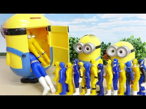Put Super Heroes in Minion Box!! Blue and Yellow Power Rangers Toy ミニオンのケースに戦隊ヒーローがすぽすぽ
