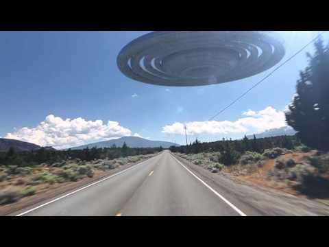 navicella spaziale insegue vettura