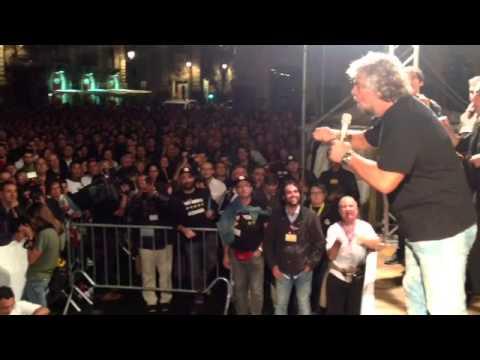 Grillo fa urlare la piazza di Catania
