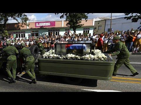 Στο Σαντιάγο τνε Κούβα η τέφρα του Φιντέλ Κάστρο