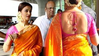 Video Aishwarya Rai In Saree At Mumbai Airport MP3, 3GP, MP4, WEBM, AVI, FLV Oktober 2017