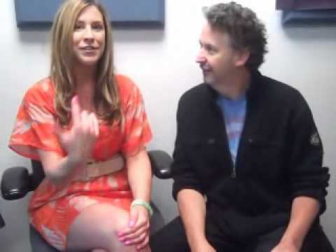 Ashlee interviews Comedian Harland Williams