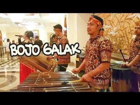 BOJO GALAK Angklung - Mainnya Rapi Mantap - Live Melia Hotel Jogja - CAREHAL Angklung Malioboro