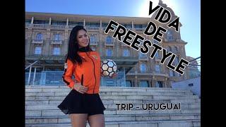 Fala galera voltei ontem do Uruguai e este vídeo é para mostrar pra vocês como é a vida de um freestyle? Como é a minha vida? Espero que gostem! Me sigam nas redes sociais! s2https://www.instagram.com/raquelfreestylehttps://www.facebook.com/raquelfreestyleoficialhttps://twitter.com/raquel_benettiSigam a Enganche para os sorteios ;) das bolas!https://www.instagram.com/enganchesportsFreestyles do UruguaiLuis Muñoz:https://www.instagram.com/luchex_freestyle/Fernando Torres:https://www.instagram.com/fernandotorresff/