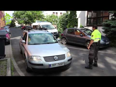 CZolorado - Strážníci si posvítili na lidi, kteří si jezdí pro sociální dá