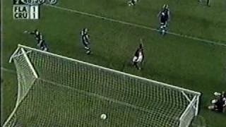 2003: Flamengo 1x1 Cruzeiro Copa do Brasil jogo de ida final com golaço de Alex de calcanhar.